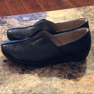 "Clarks Everlay Dairyn Loafers Size11–1.5""heel"